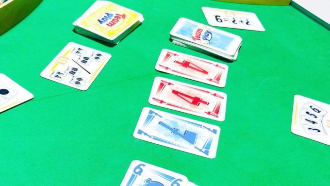 カードゲームのチームプレイ